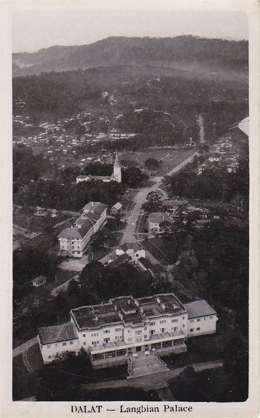 18 ANNAM - DALAT - Le Langbian Palace, façade Nord